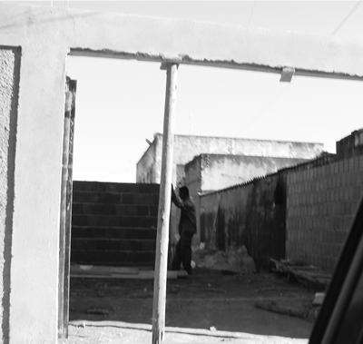 """""""Agefis fará derrubada de invasões em becos do Gama"""""""