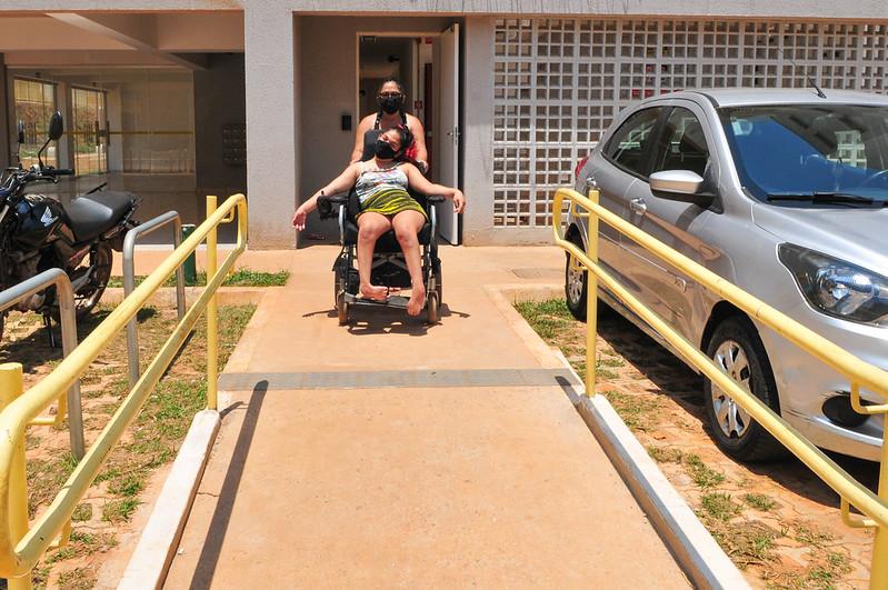 Moradia digna para cerca de 300 pessoas com deficiência