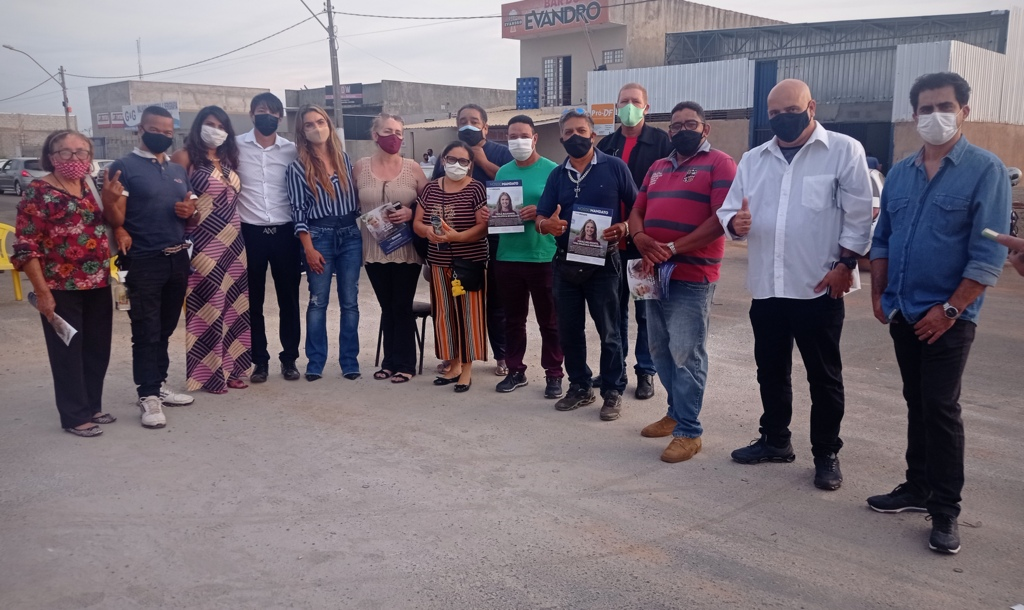 Paula Belmonte cumpre agenda na cidade do Gama para prestar contas à população